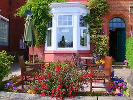 Streonshalh Bed & Breakfast photos Exterior