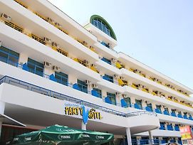 Party Hotel Vladislav - Adults Only photos Exterior