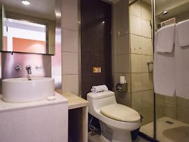 Motel 168 Wuhan Wuchang Railway Station East Square Jing'An Road Branch photos Exterior