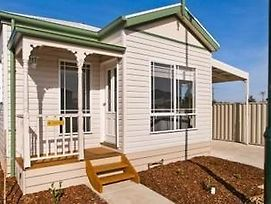 Werribee Short Stay Villas & Accommodation photos Exterior