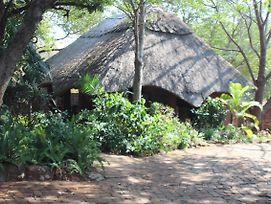 Mosi Ua Tunya Lodge photos Exterior