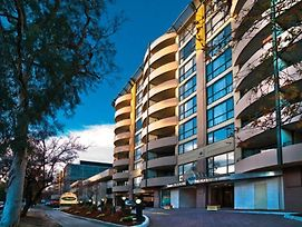 Adina Apartment Canberra James Court photos Exterior