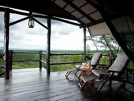 Kirawira Luxury Tented Camp photos Exterior
