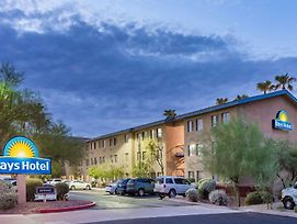 Days Hotel By Wyndham Mesa Near Phoenix photos Exterior