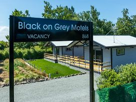 Black On Grey Motel photos Exterior