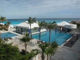 Cancun Beach Aparthotel By Solymar photos Exterior