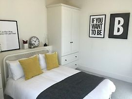 The Sawmill Townhouse - 3 Bed Modern Apartment photos Exterior