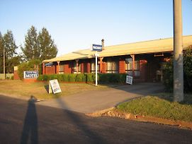 St Arnaud Country Road Motel photos Exterior