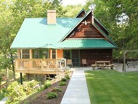 Dock Holiday Cabin photos Exterior