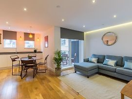 Super Central 2 Bedroom Flat With Balcony Zone 1 photos Exterior