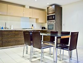 2 Bed Townhouse In Shepherds Bush photos Exterior