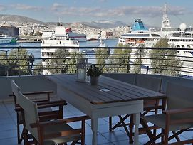 Chic Style 2 Bedroom Apartment Great Views Of Piraeus Cruise Port photos Exterior