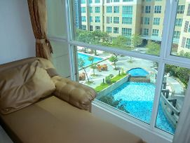Mall Access! Exclusive 2 Bedroom @ Gandaria Heights Apartment By Travelio photos Exterior