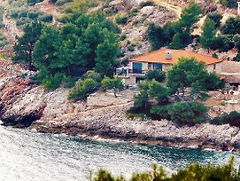 Seaside Secluded Apartments Cove Srhov Dolac Bay Srhov Dolac 2072 photos Exterior
