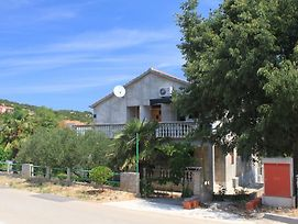 Apartments With A Parking Space Sali Dugi Otok 8172 photos Exterior