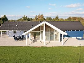 Four-Bedroom Holiday Home In Rodby 3 photos Exterior