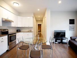 Brand New 3 Bedroom Apartment In Mile End #18 photos Exterior