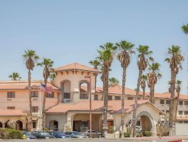 Ramada By Wyndham Barstow photos Exterior