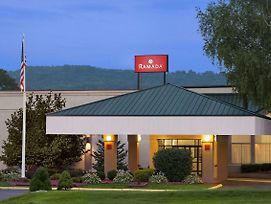 Ramada Hotel & Conference Center By Wyndham Cortland photos Exterior