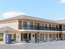 Days Inn By Wyndham St. Robert Waynesville/Ft. Leonard Wood photos Exterior