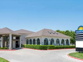 Days Inn By Wyndham Amarillo - Medical Center photos Exterior