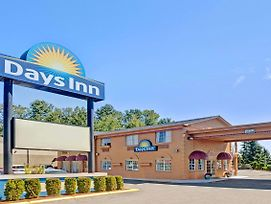 Days Inn By Wyndham Everett photos Exterior