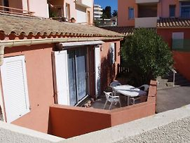 Apartment With 2 Bedrooms In Sete With Enclosed Garden And Wifi 400 M From The Beach photos Exterior