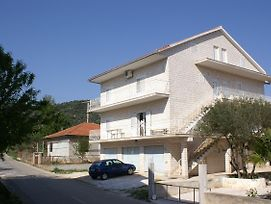 Apartments With A Parking Space Vinisce, Trogir - 2987 photos Exterior