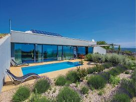 Luxurious Villa In Krk With Pool photos Exterior