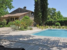 Traditional Holiday Home With Swimming Pool In Fayence photos Exterior