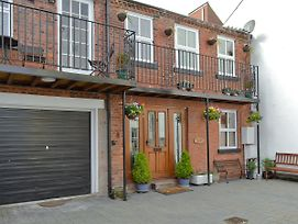 Arundel Mews photos Exterior