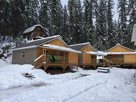 Last Spike Lodging photos Exterior