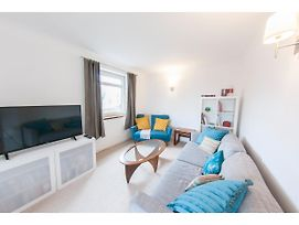 Bright & Airy 2 Bedroom Flat For 6 In Blackheath photos Exterior