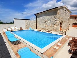 Family Friendly House With A Swimming Pool Orihi 3334 photos Exterior