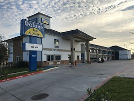 Deluxe Inn & Suites - Baytown photos Exterior