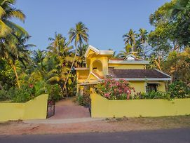 Oyo 12541 Home Stylish 2Bhk Betalbatim photos Exterior