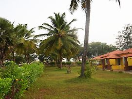 Lamour Beach Resort photos Exterior