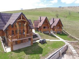 Wooden Valley Zlatibor Resort photos Exterior