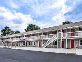 Travelodge By Wyndham Great Barrington Berkshires photos Exterior