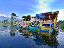Golden Hopes Group Of Houseboats photos Exterior