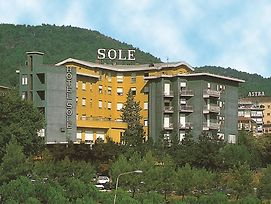 Sole photos Exterior