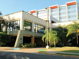 Howard Johnson Centro Cardiovascular San Juan photos Exterior