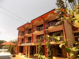 Entebbe Travelle'Rs Inn photos Exterior