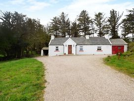 Mick'S Cottage, Creeslough photos Exterior