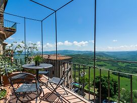 Wonderful Holiday Home In Tuscany With Private Terrace photos Exterior