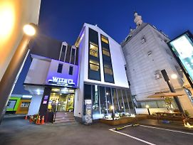 With U Hotel & Guesthouse photos Exterior