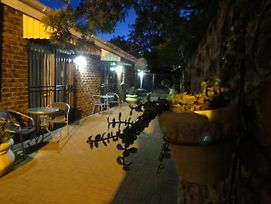Coral Tree Guest Rooms photos Exterior