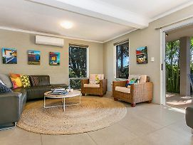 1 34 Kendall Street Byron Bay Chateau Relaxo photos Exterior