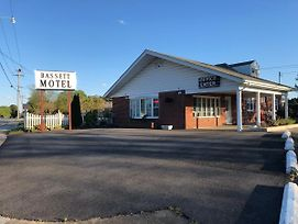 Bassett Motel photos Exterior