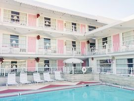 Pink Champagne Motel photos Exterior